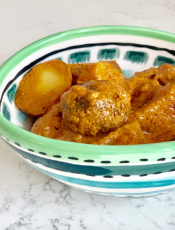 bowl of dum aloo